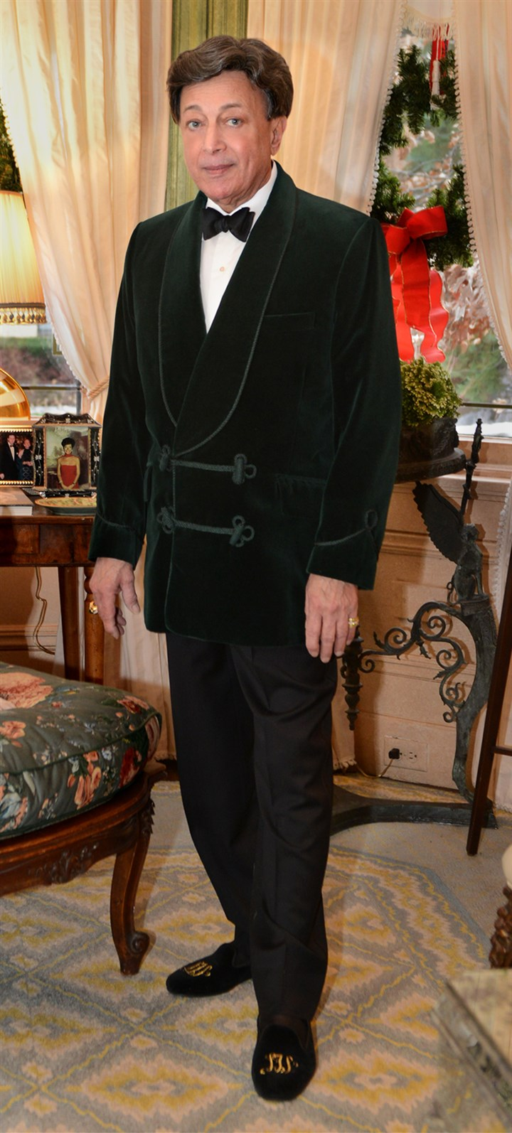 20131215RARseentalotta2-1 Louis Talotta in a green velvet Turnbull and Asser smoking jacket, a Frey shirt, Hermes tie, Kiton trousers and monogrammed Stubbs and Wooton evening shoes. Louis Talotta in his formal attire.