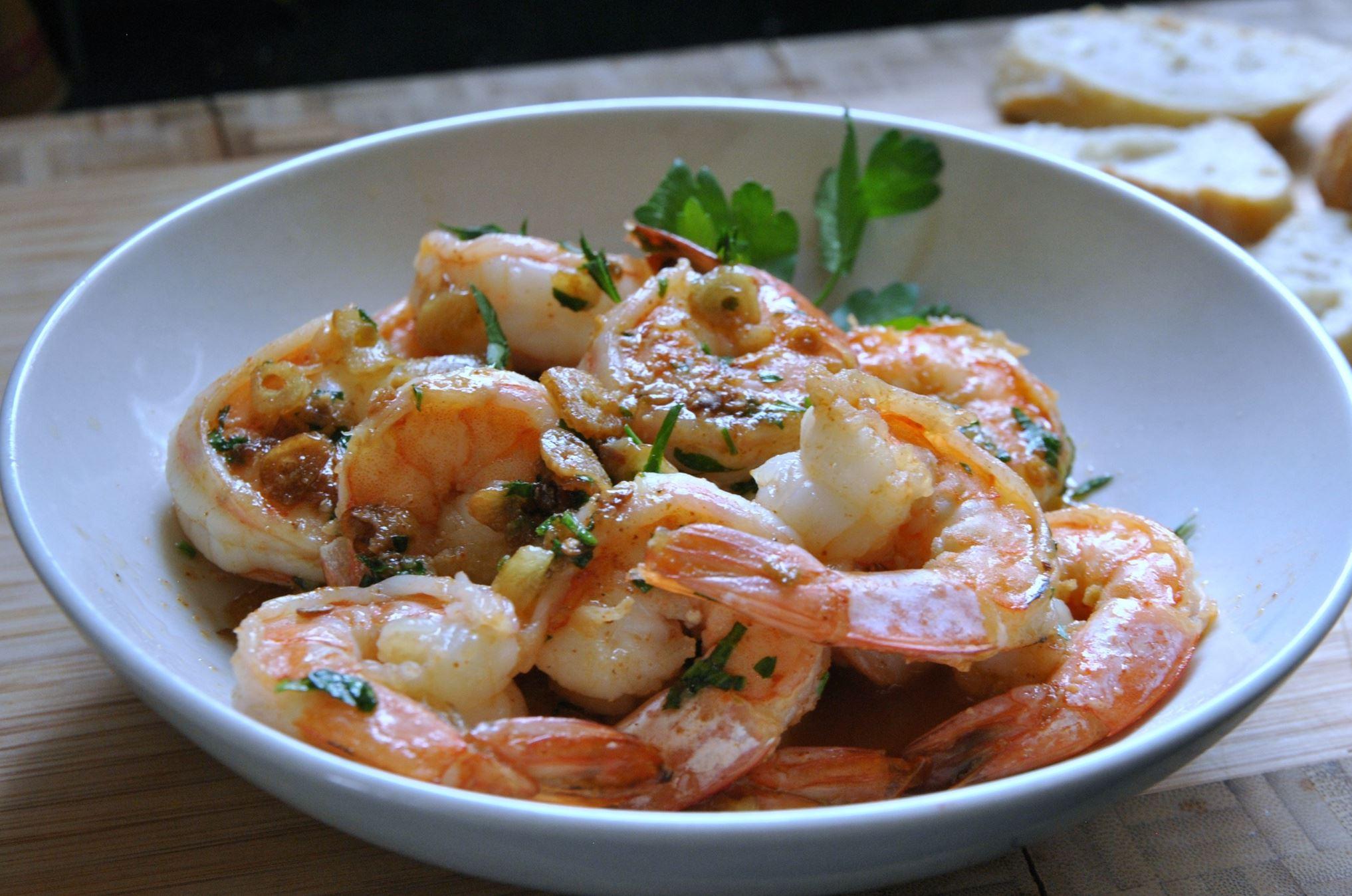 20131217hotapas1223shrimpfood Gambas al Ajillo (Garlic Shrimp).