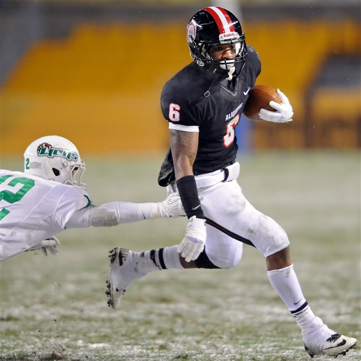9kl00kv7.jpg Aliquippa's Dravon Henry rushed for more than 5,000 yards in his amazing high school career.