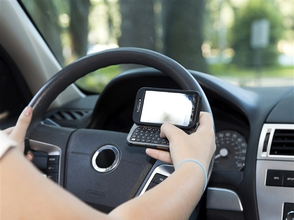 physiological reason behind texting and driving Cause and effect texting and driving essays and physiological reason behind texting and it could be the guy behind you, who for some reason cannot drive.