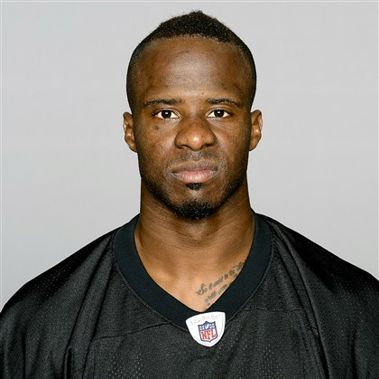 ike1229 Steelers cornerback Ike Taylor will have his hands full today when he covers Browns receiver Josh Gordon.