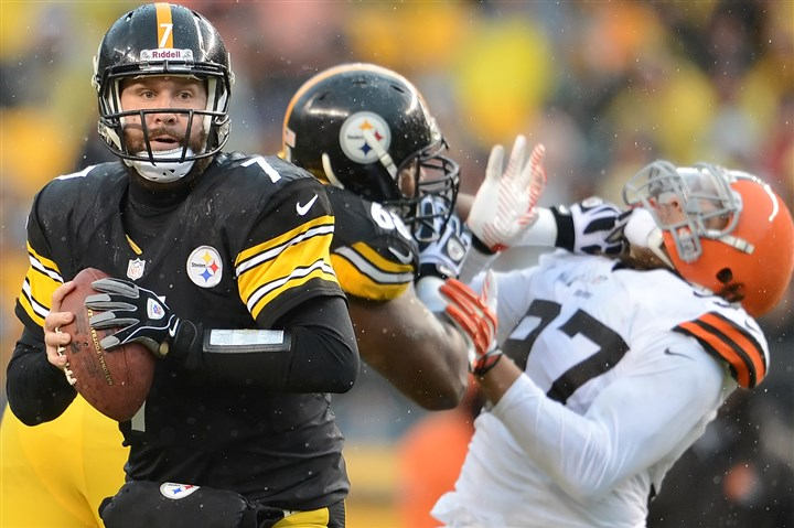 20131229pdSteelersSports13-5 Steelers quarterback Ben Roethlisberger scrambles against the Browns during the 2013 season finale last month at Heinz Field.
