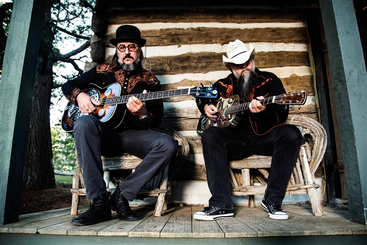 Twang Les Claypool and Bryan Kehoe -- Les Claypool's Duo de Twang.