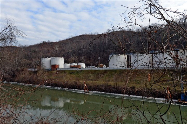 wva7_nat-1 Freedom Industries on Barlow Street on the banks of the Elk River is seen on Jan, 10 in Charleston, W.Va.