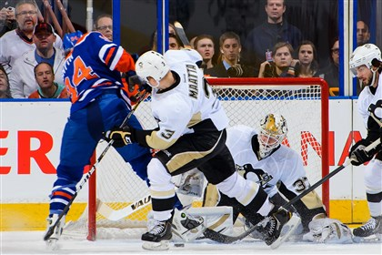 20140111penguins3 Penguins Jeff Zatkoff stops the shot of Oilers Ryan Smyth )
