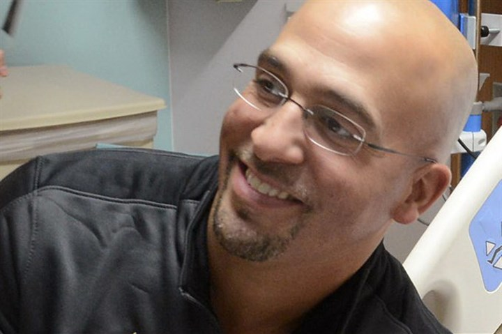 9lx00ksv-2 Vanderbilt coach James Franklin -- today named Penn State football coach -- visiting Children's of Alabama Hospital in Birmingham earlier this month.