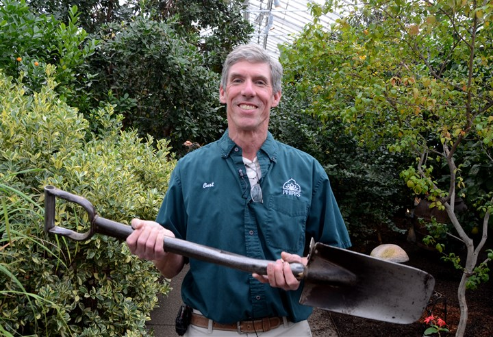 Oster_tools_curt_steel_shovel-4 Curt Pesanka, indoor display foreman at Phipps Conservatory and Botanical Gardens, with his metal shovel.