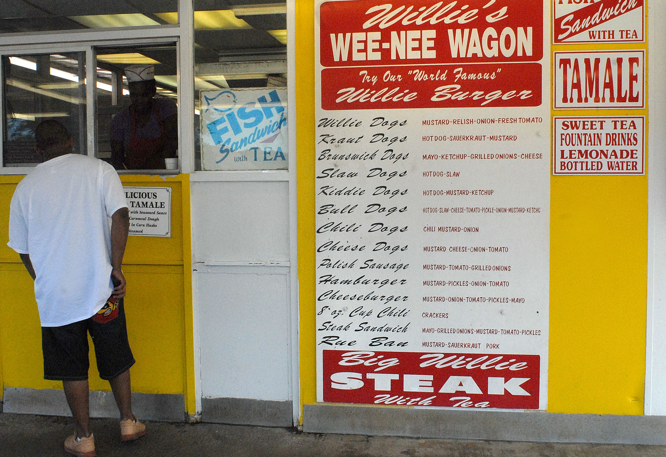20131216lrdinefood03 The menu at Willie's Wee-Nee Wagon in Brunswick, Georgia.