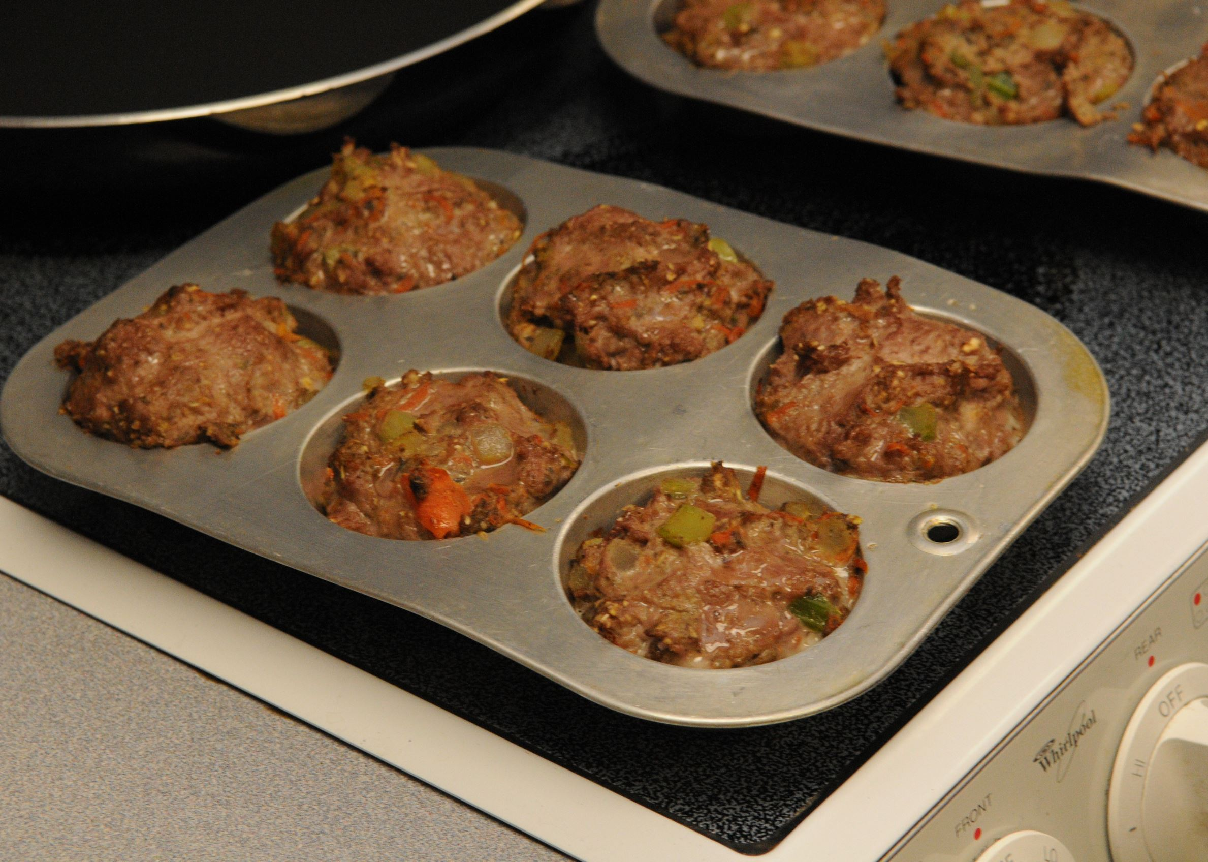 20140118ttCookingFood6-5 Muffin Tin Meatloaves.