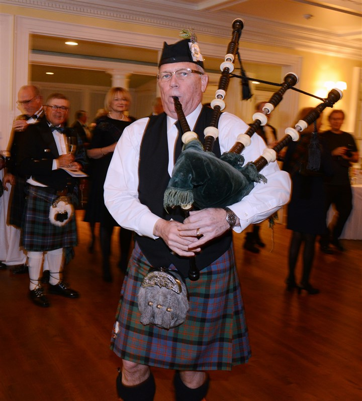 2014burns Bob Blachley of the Macdonald Pipe Band of Pittsburgh.