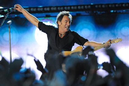 2014Springsteen0417 Bruce Springsteen returns to Pittsburgh next week with continuing support for the Rainbow Kitchen.