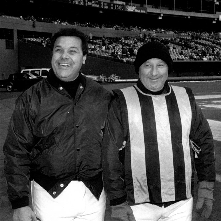 "20140123hochaingang0124spts.jpg Beechview residents John Gaultieri, left, and Bob DeMarco are retiring as members of the Steelers ""chain gang."" They are shown in a 1990s photo at Three Rivers Stadium."