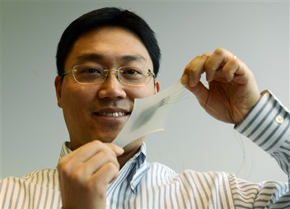 Researcher Yong-Lae Park Yong-Lae Park shows a flexible sensor used to provide more movement to those who have drop foot.