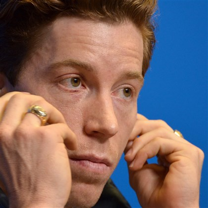 "shaun0206-1 US snowboarder Shaun White speaks during a press conference at Gorky Media Center the Rosa Khutor Alpine Centre on February 5, 2014. White admitted on February 3 that Sochi's daunting slopestyle course which has already claimed two injury victims presented an ""intimidating"" challenge."