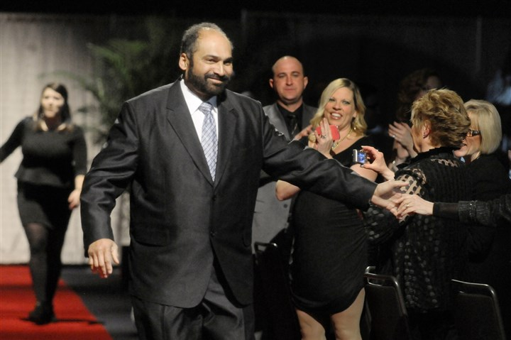 Franco Harris arrives Steelers great Franco Harris, the Lifetime Achievement Awardee, enters at the 78th Annual Dapper Dan Dinner & Sports Auction, as part of the Pittsburgh Post-Gazette Dapper Dan Charities.