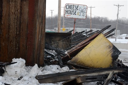 20140210dsCheeseHouseLoc03-1 The burned out remains of the Cheese House along Route 22.