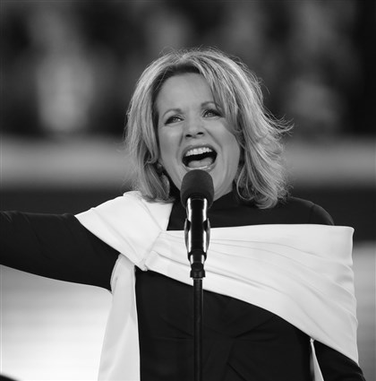2do2.1-4 Opera singer Renée Fleming.