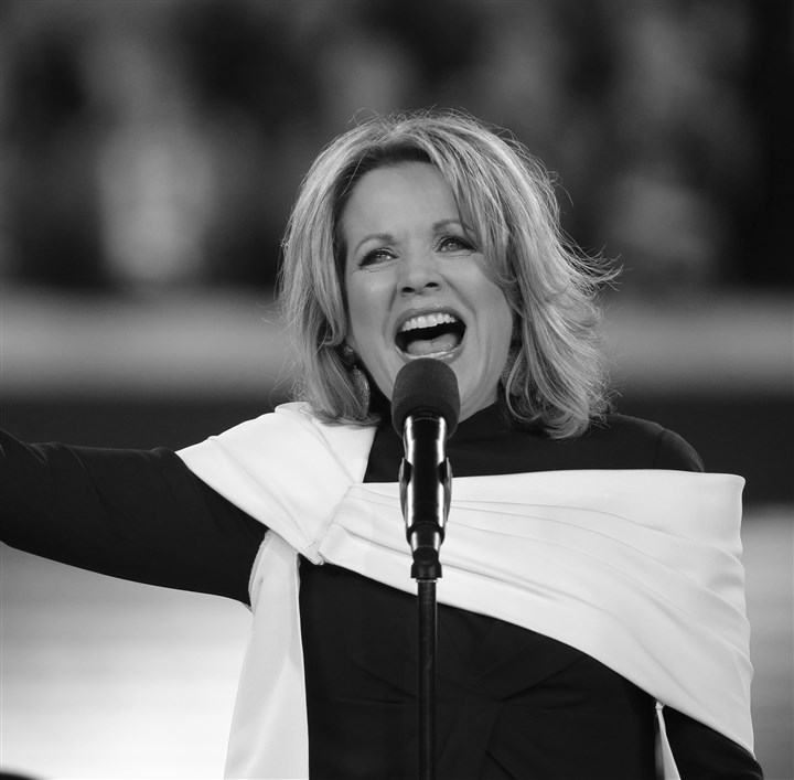 2do2.1-4 Opera singer Renée Fleming sings the national anthem before the NFL Super Bowl XLVIII between the Seattle Seahawks and the Denver Broncos.