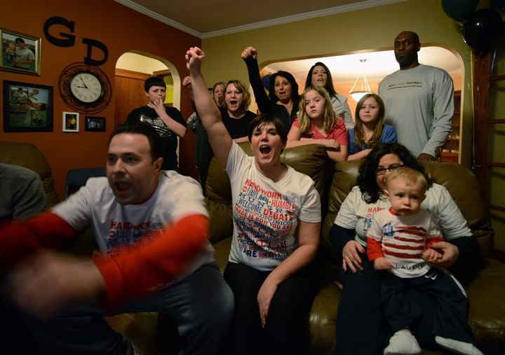 Rochester fans cheer for Lauryn Williams 01 Greg Cercone, left, of Conway and his girlfriend Devan Parise have front-row seats in Ms. Parise's Rochester home to watch Olympian Lauryn Williams compete in the women's bobsled competition. Ms. Parise was a Rochester High School track teammate of Ms. Williams.