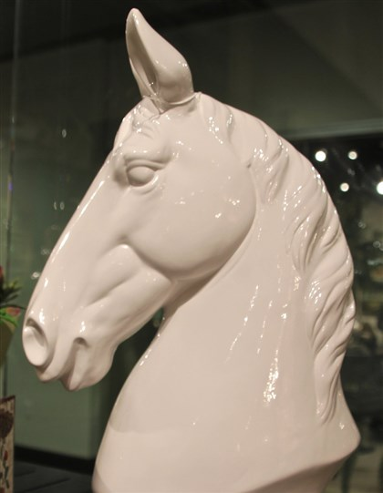 styleHorse5-5 Bust of white beauty by A & B Home.