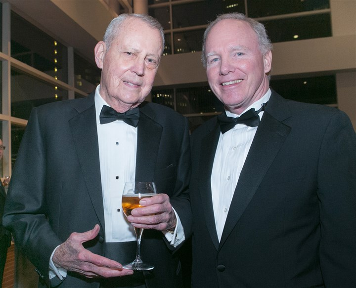 20140223jcSeenHeartBall16-3 Dr. Thomas Starzl and Dr. George Magovern.