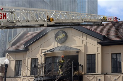 20140224MWHfireLocal07-6 Firefighters respond to a fire in Market Square.