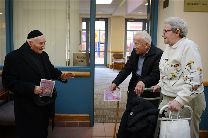 Holocaust survivors meeting in Squirrel Hill From left, Rabbi Mordechai Gladstein, Fritz Ottenheimer, 88, and Shulamit Bastacky say goodbye Monday after a Holocaust survivors meeting at the Jewish Community Center in Squirrel Hill.