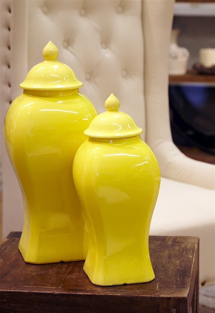 Donny Osmond Home Collection jars Decorative jars from the Donny Osmond Home Collection.