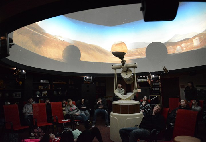 20140303jrPlanetariumLocal1 Students at North Hills High School learn about the creation of stars during a chemistry class last Monday in the school's planetarium.