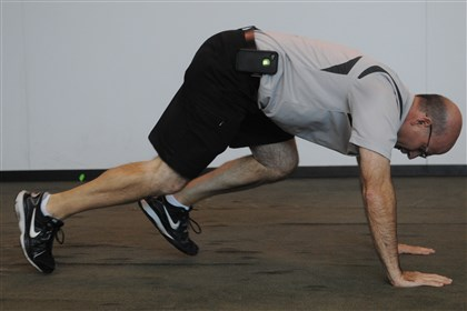 7-minute workout, mountain climbers 5. MOUNTAIN CLIMBERS build cardio endurance, core strength and agility. Begin in the pushup position, bring the right knee up to the chest and proceed to run in place, driving each knee toward your chest, and return each foot to the starting position. Alternate feet as fast as you can safely for 30 seconds to a minute.