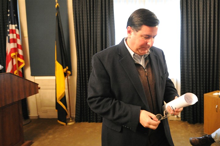 Peduto after UPMC-SEIU news conference After returning from Washington D.C., Pittsburgh Mayor Bill Peduto heads back to his office after a news conference addressing the standoff between the SEIU and UPMC on Mar. 5.