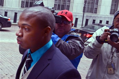 Jordan Miles Jordan Miles enters the Federal Courthouse this morning in Downtown Pittsburgh.