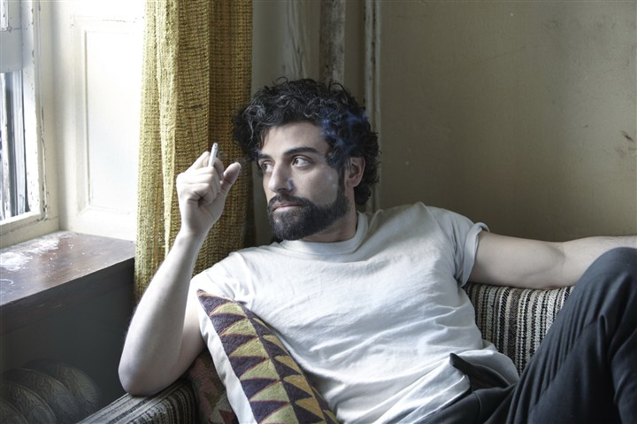 "20140313HOLlewynDVD-2 Oscar Isaac inhabits the title role in Joel and Ethan Coens' ""Inside Llewyn Davis."""
