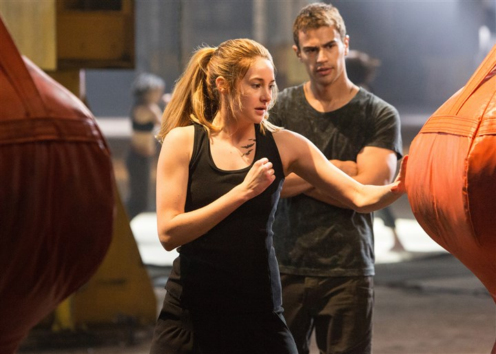 20140320Divergent3-1 Shailene Woodley and Theo James in 'Divergent.'