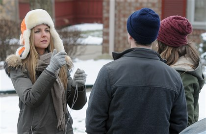 20140305radDirectorMartemuc-12 Director Anna Martemucci coaches actors Tobin Mitnick and Rachel Keller before an exterior scene.