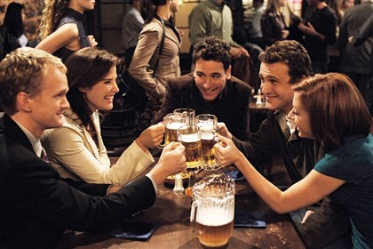 How I met your mother Neil Patrick Harris, Cobie Smulders, Josh Radnor, Jason Segel and Alyson Hannigan in season one.