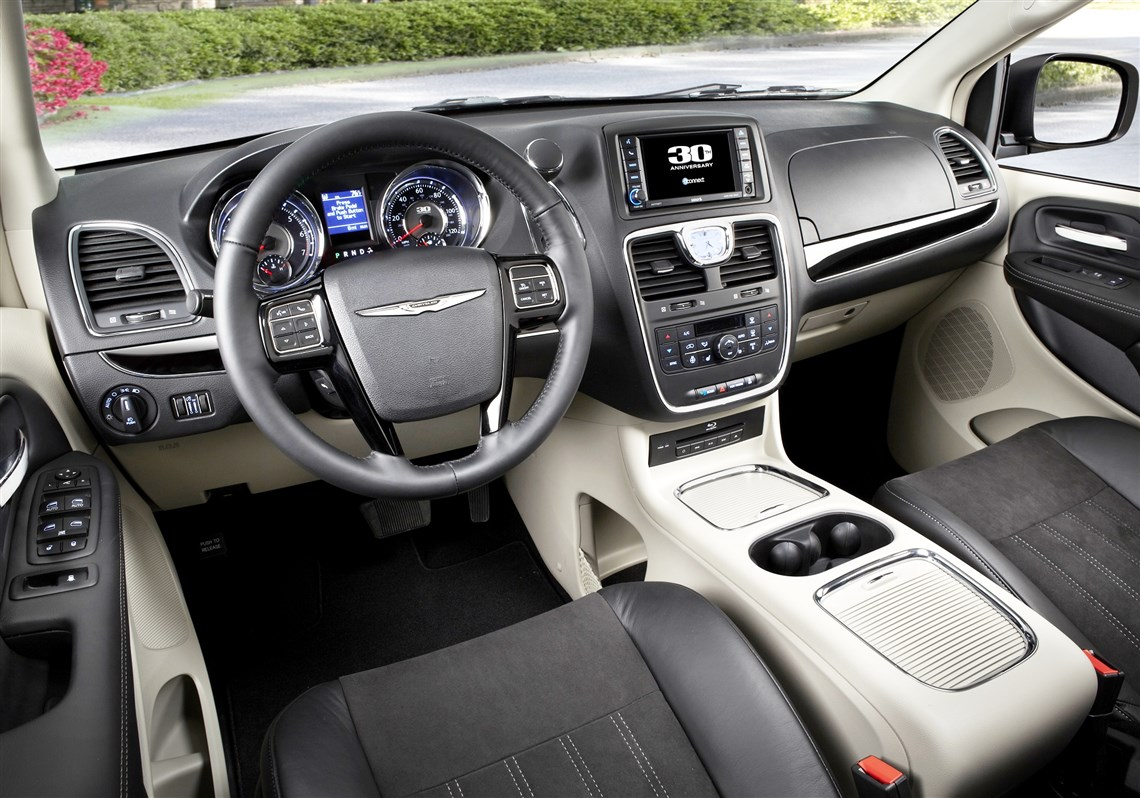 The 2014 Chrysler Town And Country Interior Features Attractive But Basic  Black And Silver