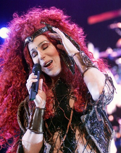 Cher In 200 Cher performs before a sold-out crowd at the Air Canada Centre in Toronto.
