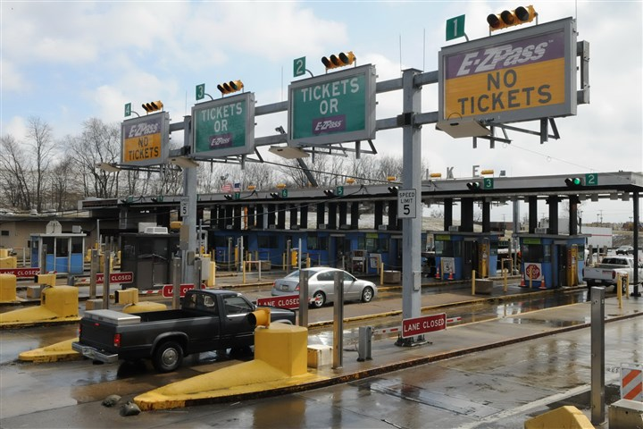 9di00krs-3 Monroeville Pennsylvania turnpike toll booths.
