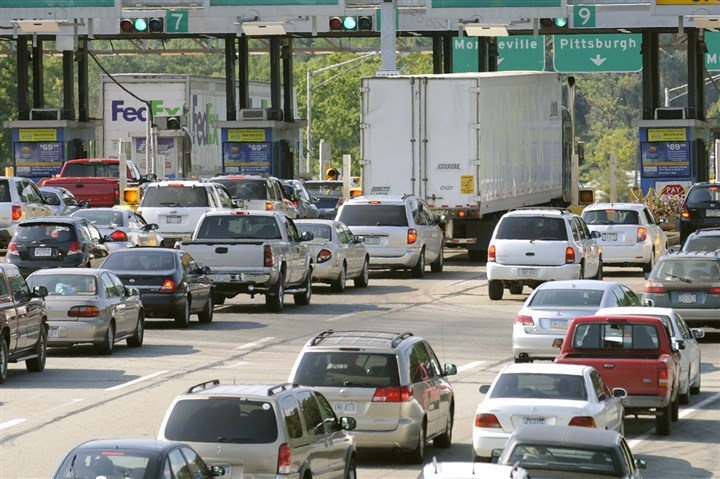 8d400kfu-1 Motorists traveling for the Independence Day weekend should expect heavy traffic and the most expensive gasoline prices in years for the holiday period.