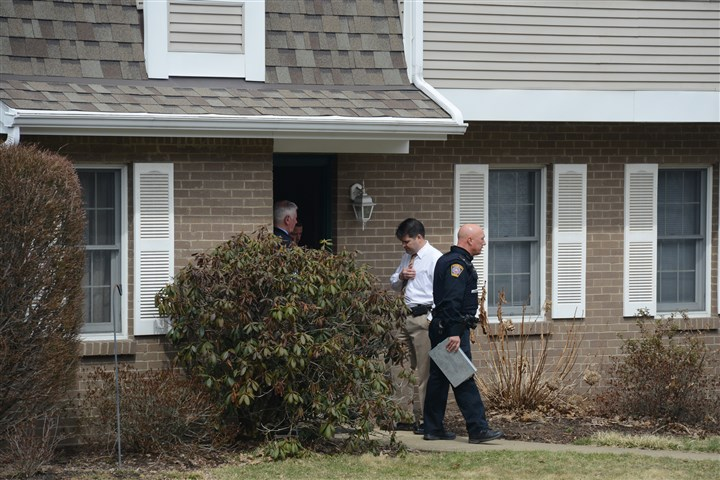 20140401lfDrownLocal01 Police investigate at the scene on Saratoga Drive in McCandless.