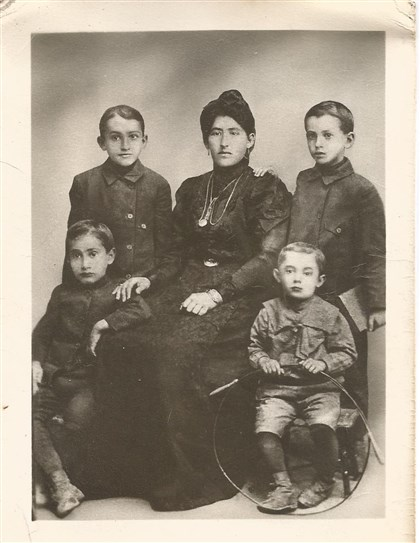 20140404hoWeinsteinandAfood Great-grandmother Rachel Weinstein with her sons -- standing, top left, Sam; standing top right, Ben; seated bottom right, Hyman; seated bottom left, Harold.