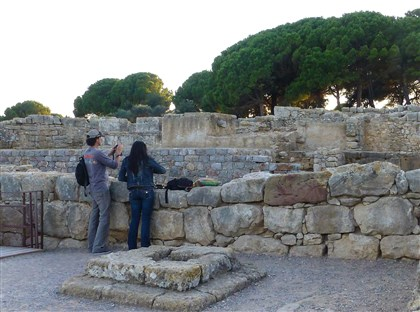 20140407COSTABRAVA8-3 Greek and Roman ruins draw visitors to Empuries near L'Escala.