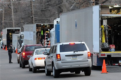 "20140409radMovieProductionLocal04-3 Traffic backs up along Amberson Avenue as a crew prepares to film ""Fathers and Daughters"" Wednesday."