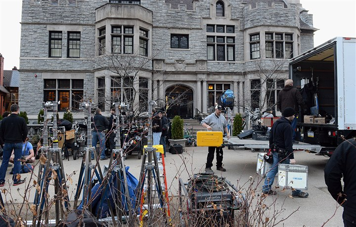 "20140409radMovieProductionLocal02-1 The crew ""Fathers & Daughters"" spent three days in April shooting two scenes featuring Russell Crowe at The Mansions on Fifth in Shadyside."