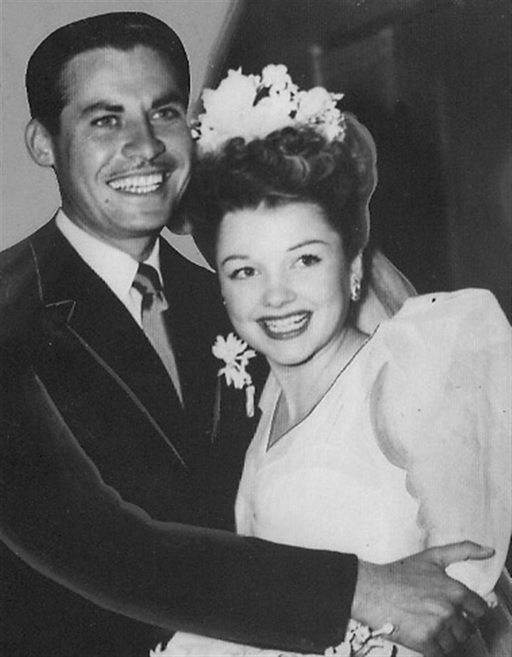 20140416Hodiak6-1 John Hodiak and Anne Baxter on their wedding day in July 1946.