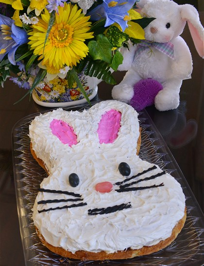 20140410eastercakefood01 Jelly Donut Easter cake.