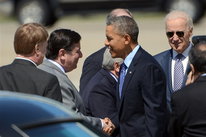 20140416radObamaArrivesLoca.4-1 President Barack Obama greets Pittsburgh Mayor Bill Peduto and Allegheny County Executive Rich Fitzgerald after arriving at the 171st Air Refueling Wing in Moon. Vice President Joe Biden is at right.