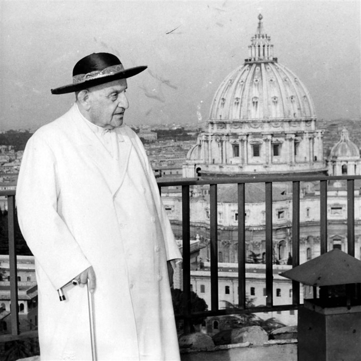 popejohn23K-1 Pope John XXIII takes a walk on April 15, 1963 along the terrace of a ninth-century tower in the Vatican gardens.