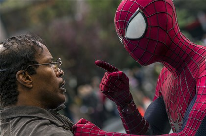 "20140501Spider2_preview-2 Jamie Foxx and Andrew Garfield as Spider-Man star ""The Amazing Spider-Man 2."""